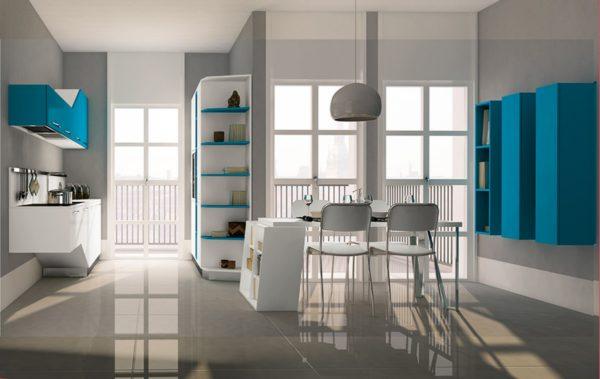 Detail poličky kuchyne ASIA.Variabilnosť úložných priestorov kuchynskej zostavy ASIA..Talianska kuchyňa ASIA je vyrábaná na mieru.