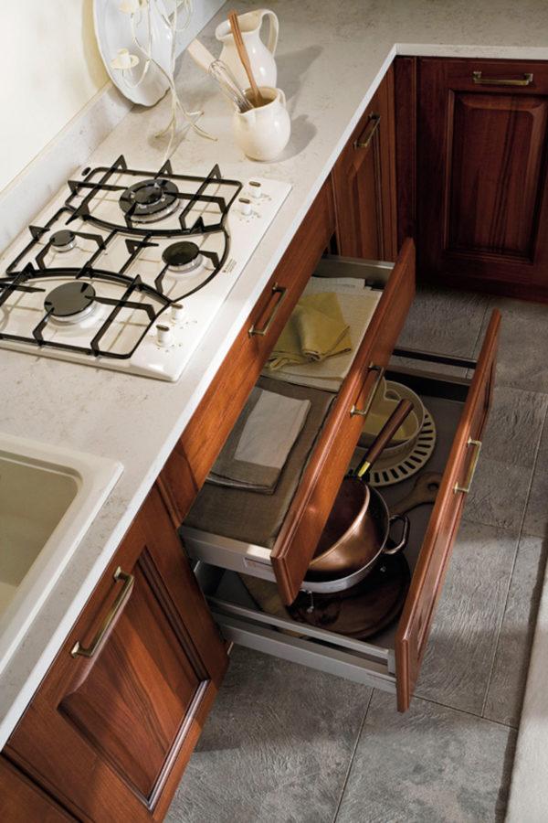 CANOVA je rustikálna kuchyňa s jemnými líniami