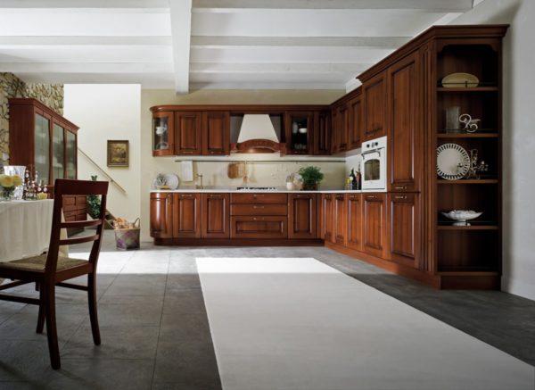 drevenými dvierkami v drevenom prevedení. Talianska vintage kuchyňa CANOVA je vyrábaná na mieru.