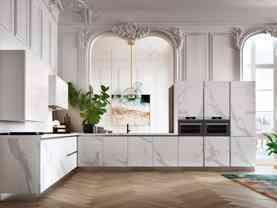 Elegantná moderná kuchyňa DE.SIGN STONE v bledom mramorovom prevedení.Talianska kuchyňa DE.SIGN STONE sa vyrába na mieru