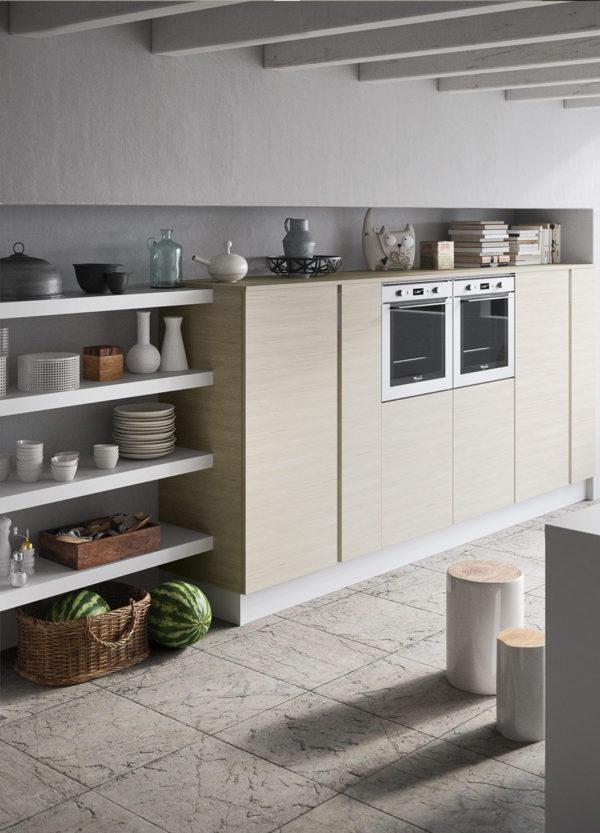 čo ešte viac zdôrazňuje lineárnosť tejto modernej kuchyne JOY.
