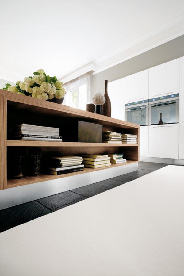 Detail úchytky kuchyňe JOY. Kombinácia materiálov vytvára moderný dizajn.