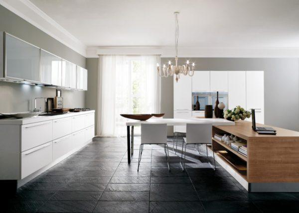 Moderná kuchyňa JOY kombinuje dekor kamena a dreva s moderným dizajnom hladkých matných plôch.Talianska kuchyňa JOY je vyrábaná na mieru.