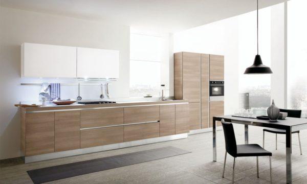 Moderná kuchyňa JOY kombinuje teplo dreva s moderným dizajnom hladkých matných plôch.Talianska kuchyňa JOY je vyrábaná na mieru.