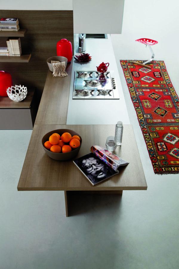 Nadčasovéhý dizajn kuchynskej linky MYGLASS je kombinácia s kameňovým dekorom.Talianska kuchyňa MYGLASS je vyrábaná na mieru.