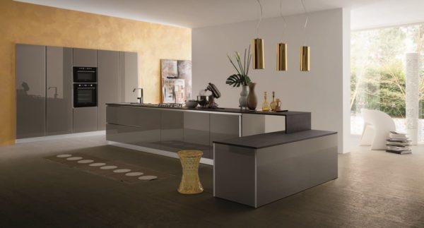 Obývacia časť v rovnakom dizajne spolu s kuchyňou MYGLASS tvori jeden celok.