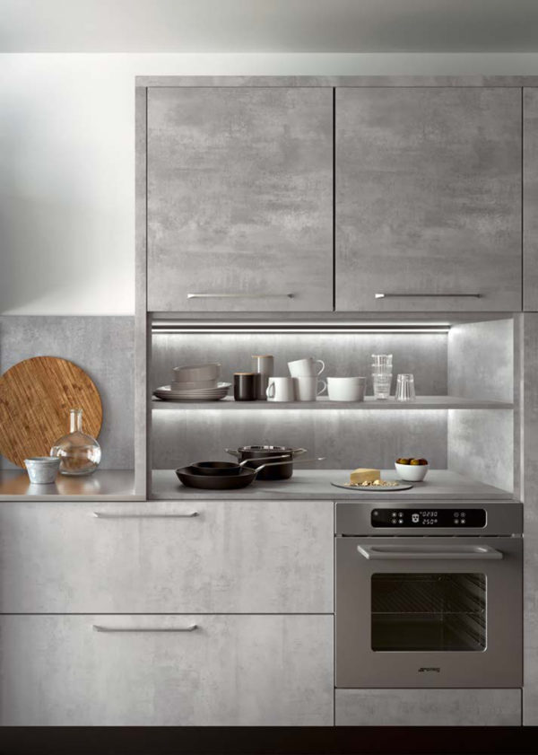 Dizajnová moderná kuchyská linka TIME. Talianska kuchyňa TIME je vyrábaná na mieru.
