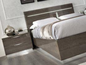 Moderný nočný stolík PLATINUM /š. 60 hl.43 v. 113