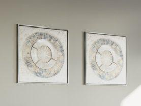 Abstraktný obraz BASANTA so strieborným rámom.