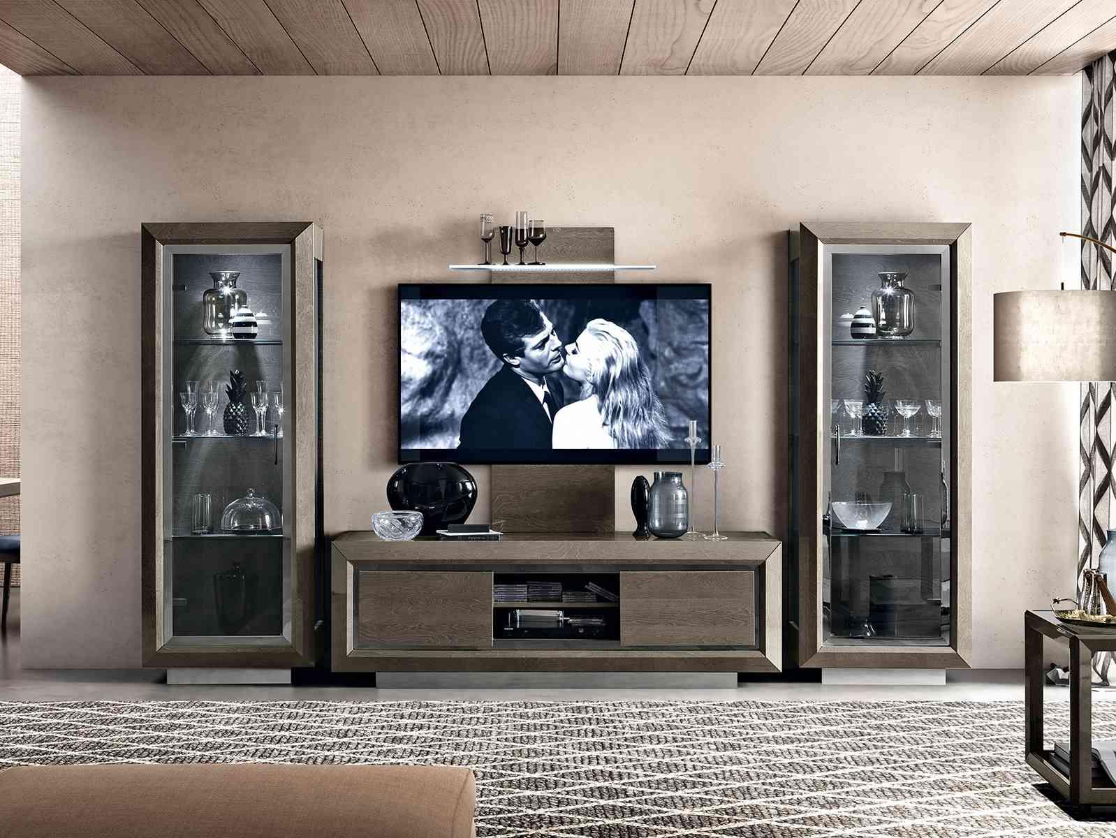 Zostava do obývačky, TV skrinka a vitríny