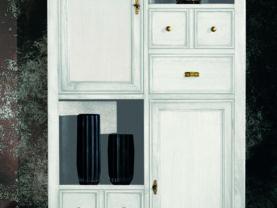 Skriňa/Vitrína BERNA art. 2123 / š.92 hl.42 v.173 cm/ - s drevenými dvierkami