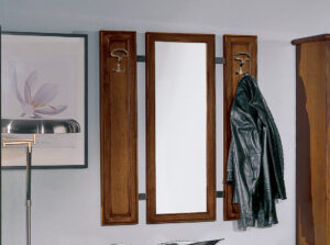 Vešiakový panel drevený so zrkadlom