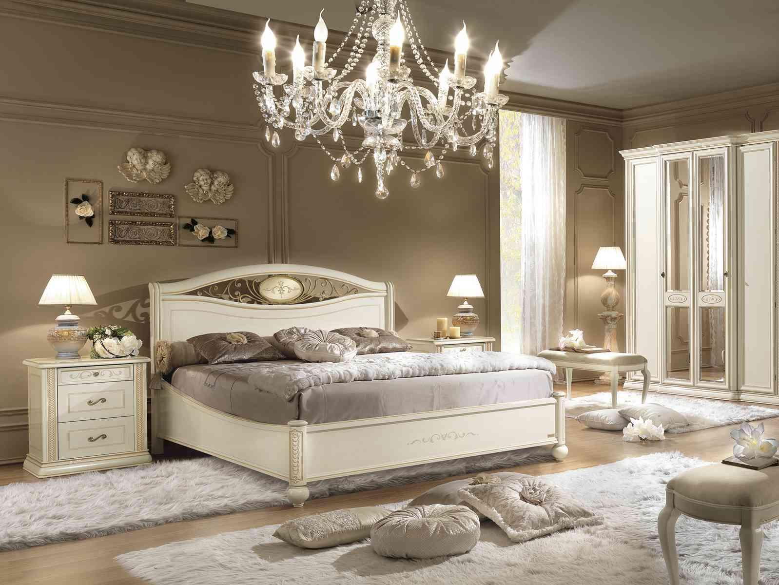 Rustikálna posteľ, komoda, nočný stolík